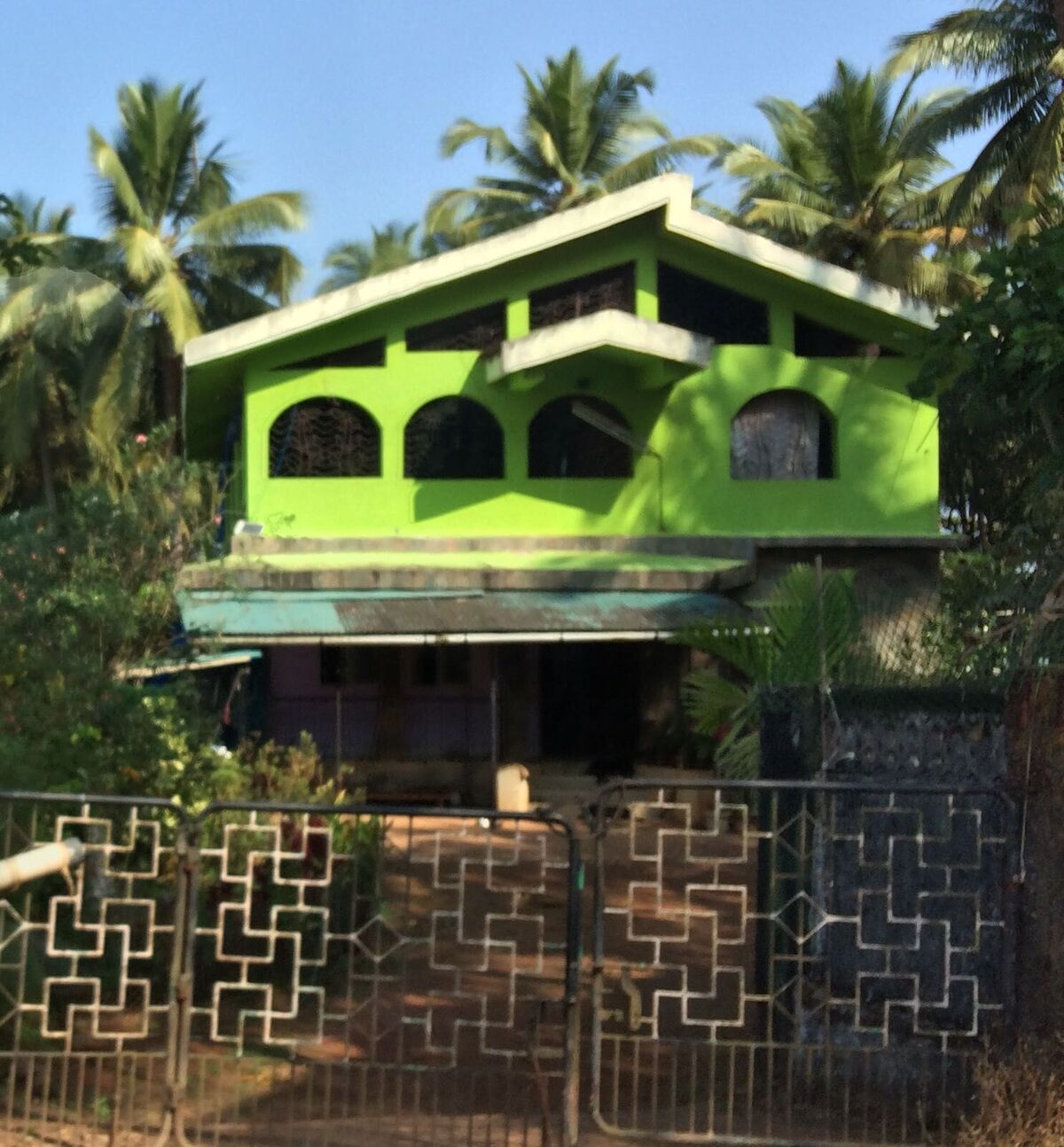 Bright-Green-Goan-house_preview